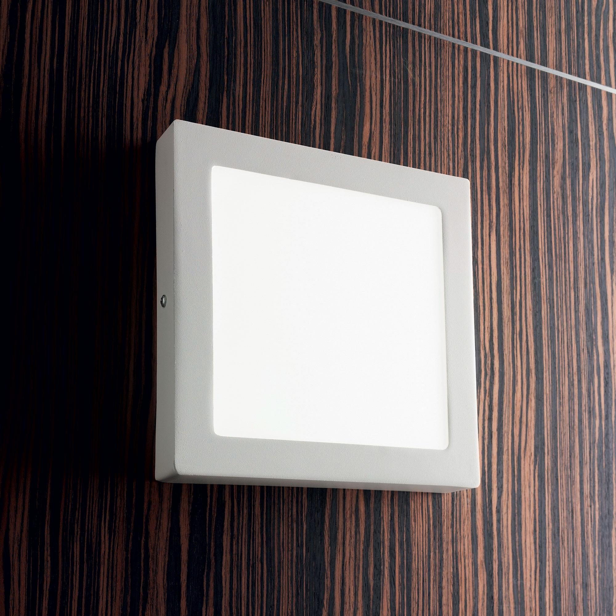 Ideal Lux 138657 UNIVERSAL 24W SQUARE BIANCO LED mennyezeti / fali lámpa